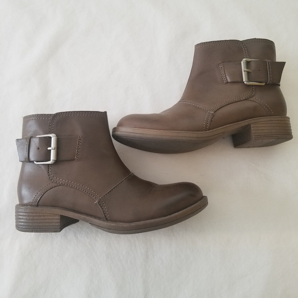 Kenneth Cole Reaction Boots Womens Size